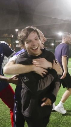 """""""Se mi papi"""" Harry con 16 años, es inocente y perfecto para Louis. H… #fanfic # Fanfic # amreading # books # wattpad Light Of My Life, Love Of My Life, My Love, One Direction Photos, I Love One Direction, Louis Tomilson, Louis And Harry, Louis Williams, Larry Stylinson"""