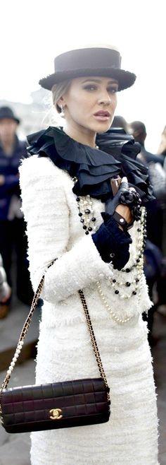 #Chanel #Black & White #PFW