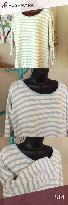 Sonoma, 1X, 3/4 length sleeve top Sonoma, 1X, 3/4 length sleeve, knit top, has a burnout look to the cream stripe, but is not a true burn out material Sonoma Tops