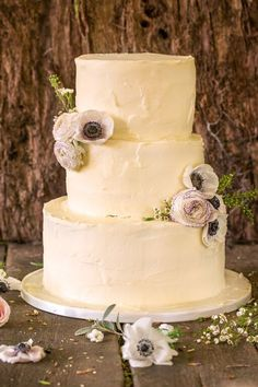 Forest Themed Wedding Cakes Themed Wedding Cakes, Baking Cupcakes, Beautiful Wedding Cakes, Wedding Gallery, Vanilla Cake, Sweets, Desserts, Food, Essen