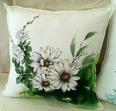 Fabric Painting, Fabric Art, Textile Dyeing, Fabric Paint Designs, Cushion Cover Designs, Girly Drawings, Handmade Stamps, Painted Clothes, Arte Popular