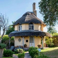 Too cute! Could be a perfect summer home depending on the location.