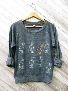 {Nine Lives Cat Pullover}