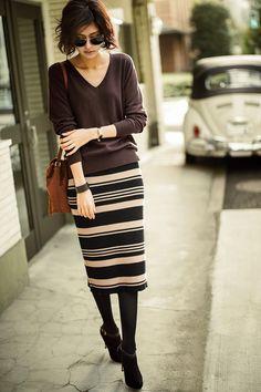 ミルブロウズ 着こなしに変化をつける 大人シック配色のランダムボーダーリブニットスカートの会(3回限定コレクション)|フェリシモ