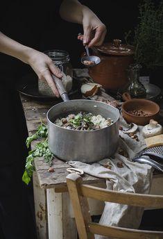 Risotto con topinambur, funghi e nocciole tostate