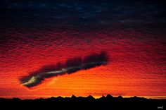 2 routine events combine for spectacular scene over Canadian skies