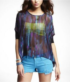 The sheer top is adorable Pretty Outfits, Cute Outfits, Pretty Clothes, Boxy Top, Love Clothing, Sheer Blouse, Blue Blouse, Diva Fashion, Clothes For Women