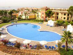 Apartment mit Garten in Las Adelfas Santa Ponsa zur Langzeitmiete für monatlich € 1.300.- 2 SZ auf 85 m2 Wfl. und 34 m2 Terrasse und Garten.