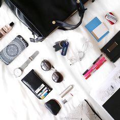 """좋아요 164개, 댓글 14개 - Instagram의 Natsuki(@natsukioro)님: """"What's in my school bag. Currently using this backpack on weekday. Because I'm carrying bunch of…"""""""