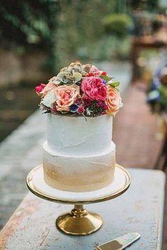18 Small Wedding Cakes With Big Style | Page 2 of 4 | Wedding Forward #SmallWeddingIdeas