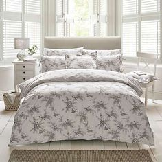 This Holly Willoughby Fauna King Size Duvet Cover features an intricate design of trailing branches, leaves and birds in a soft charcoal grey tone. Free UK delivery available. Super King Duvet Covers, King Size Duvet Covers, 100 Cotton Duvet Covers, Double Duvet Covers, Home Decor Furniture, Home Furnishings, Holly Willoughby Bedding, Duvet Bedding Sets, Cotton Bedding