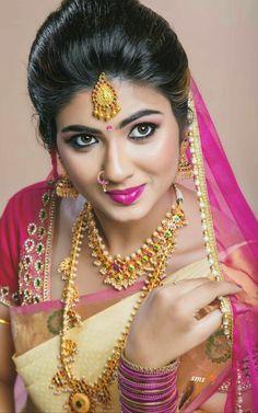 South Indian bridal look Beautiful Girl Indian, Most Beautiful Indian Actress, Beautiful Saree, Beautiful Bride, Beautiful Lips, Beautiful Women, Indian Bridal Fashion, Indian Bridal Makeup, Bridal Hair