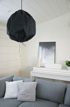 talo markki -white piano