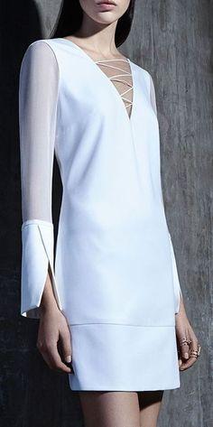 Giuliana Romanno f/w sleeve detail Fashion Details, Fashion Design, Fashion Trends, Mode Pop, Mode Outfits, White Fashion, Designer Dresses, Beautiful Dresses, Short Dresses
