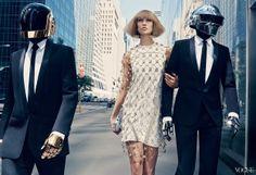 Los Robocops se transforman en fashion insiders http://www.mariodelarenta.com/2013/11/secret-stars-karlie-kloss-robocop.html