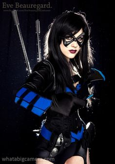Character . Personaje: Nightwing Girl (Chica Ala Nocturna)  Model . Modelo: Ally McLean  http://facebook.com/allytography http://myvineshaveacrushonyou.tumblr.com/ http://www.facebook.com/EveBeauregardCostumes  Photo . Foto: Kris Ezergailis http://whatabigcamera.com http://facebook.com/krisez  #Cosplay . #Cosplayers . #Superheroines