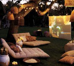 Open Air Kino in the garden Outdoor Cinema, Outdoor Theater, Outdoor Lounge, Outdoor Fun, Outdoor Seating, Outdoor Ideas, Outdoor Rooms, Backyard Seating, Outdoor Dining