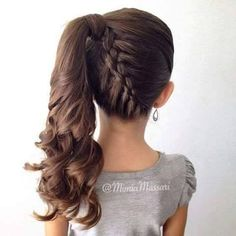 Coisa mais linda gente!!! Amo ver meninas bem arrumadas e com cabelo bem penteado, ainda mais se forem penteados diferentes. Aqui te...