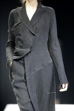 Yohji Yamamoto S/S2009                  여밈의 형태. 트임