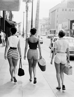 Who wears short shorts?  (1950s)
