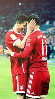 Lewandowski & James Rodriguez James Rodriguez, Football Is Life, Football Soccer, Real Madrid, Fc Bayern Munich, Robert Lewandowski, Trainer, Liverpool Fc, Football Players