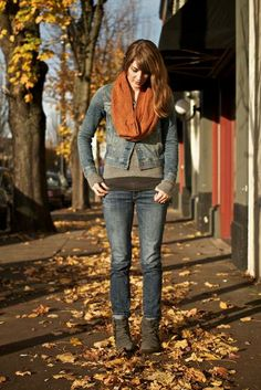 Larch Mountain Textured Chevron Cowl - Knitting Patterns and Crochet Patterns from KnitPicks.com