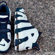今日の一枚はこちら今激アツのNIKE AIR MORE UPTEMPO再入荷しました #moreuptempo #airmoreuptempo #モアテン  #モアテン #nike #楽天市場 #ジャパスニ  #shoeget #シューゲット #楽天市場店もよろしくね Nike Air Uptempo, Big Hips And Thighs, Nike Kicks, Sneaker Games, Web Instagram, Fresh Kicks, Footprints, Sneaker Boots, Athletic Wear