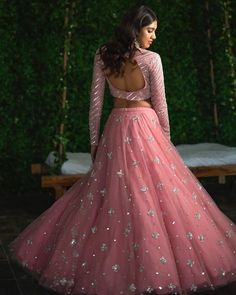 Top 15 Designer Bridal Lehenga for Wedding - Fashion Girls Indian Fashion Dresses, Indian Gowns Dresses, Dress Indian Style, Indian Designer Outfits, Indian Designers, Designer Bridal Lehenga, Bridal Lehenga Choli, Net Lehenga, Pink Lehenga