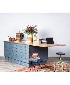 #mesa #mesaisla #cocina #kitchen #muebleisla #muebles #muebleindustrial #cretivedesign #mueblesrusticos #mueblesrestaurados #mueblesreciclados #mueblesconhistoria #lovedecor #industrialdesign #tiendademuebles Office Desk, Corner Desk, Design, Furniture, Home Decor, Refurbished Furniture, Rustic Furniture, Recycled Furniture, Kitchen Islands
