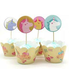 Enklere en dette blir det ikke å sette stemingen og Teamaet for festen! Nydelige cupcake wrappers til å ha rundt en ferdiglaget muffin eller cupcake. Toppers settes på toppen, så er kakene klare og ser helt topp ut!