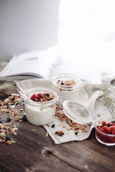 Recette de parfait aux framboises et granola Oatbox idéale pour le petit déjeuner