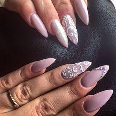 κόκκινο στιλέτο σχέδιο νυχιών με ιριδίζον στρασάκια #stiletonails #polish #gelnails #nails