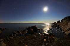 Shining moon 130823