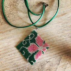 Beaded Earrings Native, Brick Stitch, Beading Patterns, Crochet Bikini, Bling, Drop Earrings, Beads, Hobbit, Triangles