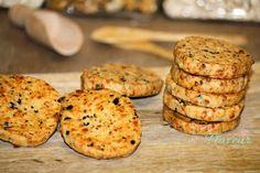 BISCUITI CU CASCAVAL SI MASLINE (RETETA VIDEO) - Flaveur Romanian Food, Romanian Recipes, Biscuit, Foodies, Muffin, Good Food, Food And Drink, Appetizers, Gluten