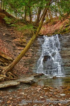 Plan Your Visit fall foliage cuyahoga valley national park exclusive on travelarize travel site Best Vacation Destinations, Vacation Trips, Beautiful Waterfalls, Beautiful Landscapes, Buttermilk Falls, Wisconsin, Michigan, Rio, Valley Of Fire