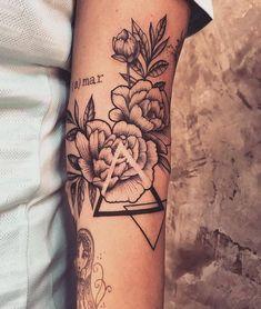 61 tattoos that are tiny and beautiful - Tattoos - Tatouage Dreieckiges Tattoos, Bild Tattoos, Forearm Tattoos, Love Tattoos, Beautiful Tattoos, Black Tattoos, Body Art Tattoos, Tattoos For Guys, Tattoos For Women