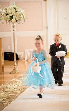 Real Wedding Spotlight: Cindy & JamesEver After Blog | Disney Fairy Tale Weddings and Honeymoon