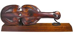Kotiate Maori weapon on a base Nz Art, Maori Art, People Of Interest, Beautiful Birds, Wood Crafts, New Zealand, Primitive, Weapons, Arts And Crafts