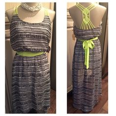 """High Low Vera Wang Princess Maxi NWT B&W Aztec design with neon green sash! Pop! Lined. Front part is 21"""" long from waist and back part is 37"""". Love this Vera Wang Dresses High Low"""