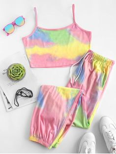 Cute Clothes For Women, Girls Fashion Clothes, Teen Fashion Outfits, Girl Fashion, Girl Outfits, Trendy Fashion, Tie Dye Outfits, Crop Top Outfits, Cute Casual Outfits