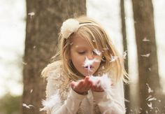 Kids photoshoot with feathers