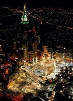 Beautiful Mecca at night pic.twitter.com/cEL0DKmnv6