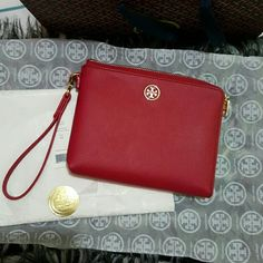 *Huge markdown*Tory Burch Roslyn  Large wristlet Brand new Tory Burch  large wristlet in Saffiano leather. Nice Royale color. AUTHENTIC!. Bags Clutches & Wristlets