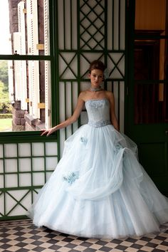 Ball gown | White Ball Gown perfect for the Cinderella in you