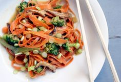 Think zucchini noodles are cool? Try a bowl of delicate carrot ribbons bathed in a spicy Thai peanut sauce. Carrot Noodles, Zucchini Noodles, Thai Peanut Sauce, I Want Food, Spicy Thai, Spiralizer Recipes, Cooking Light, Food 52, Stir Fry