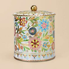 This vintage Floral Tin is a perfect decorative piece for any room. Use it to hold your most treasured keepsakes or your daily knick-knacks (like car keys and loose change).