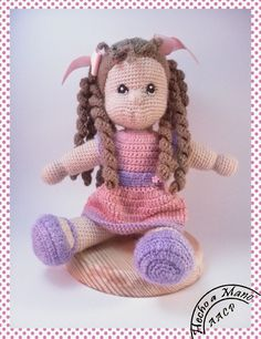 Amigurumi crochet doll With Curls free pattern, amigurumi related to all models you are looking for free of charge is waiting for you. Crochet Baby Toys, Crochet Doll Clothes, Knitted Dolls, Crochet Dolls Free Patterns, Crochet Doll Pattern, Doll Patterns, Crochet Blanket Edging, Stuffed Toys Patterns, Amigurumi Doll