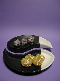 sweet rocks and chestnuts by anzyAprico, via Flickr