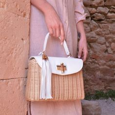 Straw Handbags, Black Handbags, Leather Handbags, Leather Bag, Handmade Handbags, Handmade Bags, Cute Purses, Purses And Bags, Sac Hermes Kelly